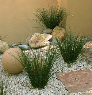Decoracion de jardines con piedras2 casa web plantas y for Decoracion jardin ladrillos