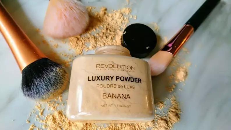 Makeup revolution banana powder Pesquisa Google em 2020