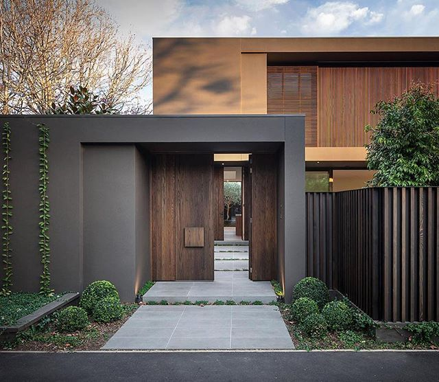 Gate and fence modern design automatic entrance gates main house front ideas for also pin by brynn on houses in pinterest rh