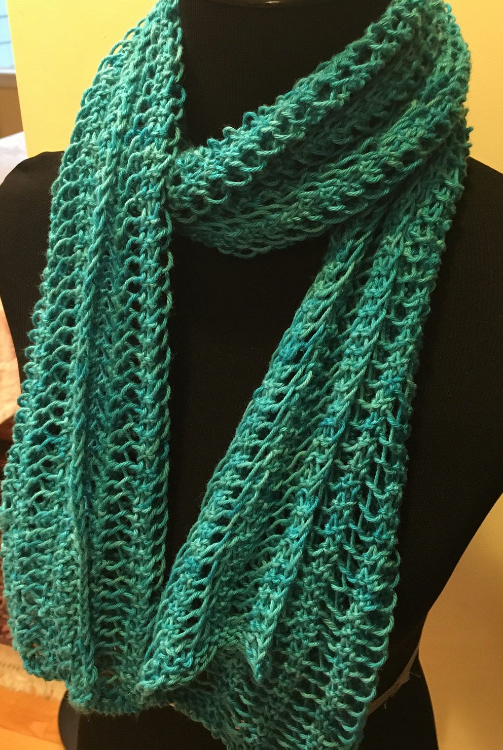 Free Knitting Pattern for One Row Repeat Lace Scarf | Knitting ...