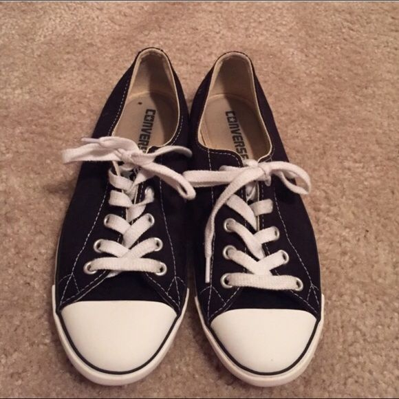 c5d440bbd1db Blank   white converse Really cute thin sole black   white converse! In  great condition! Perfect with any outfit! Women size 6 Converse Shoes