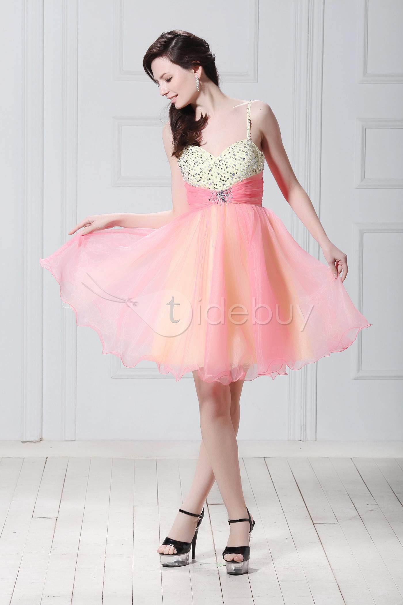 How sweet is this dress? Perfect for a girly birthday
