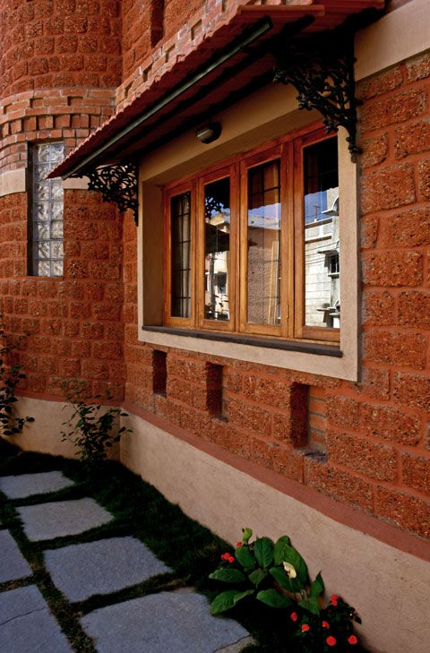 Kerala houses traditional exterior courtyard house window ideas interior designing also pin by bhakti salian on design in plans rh pinterest