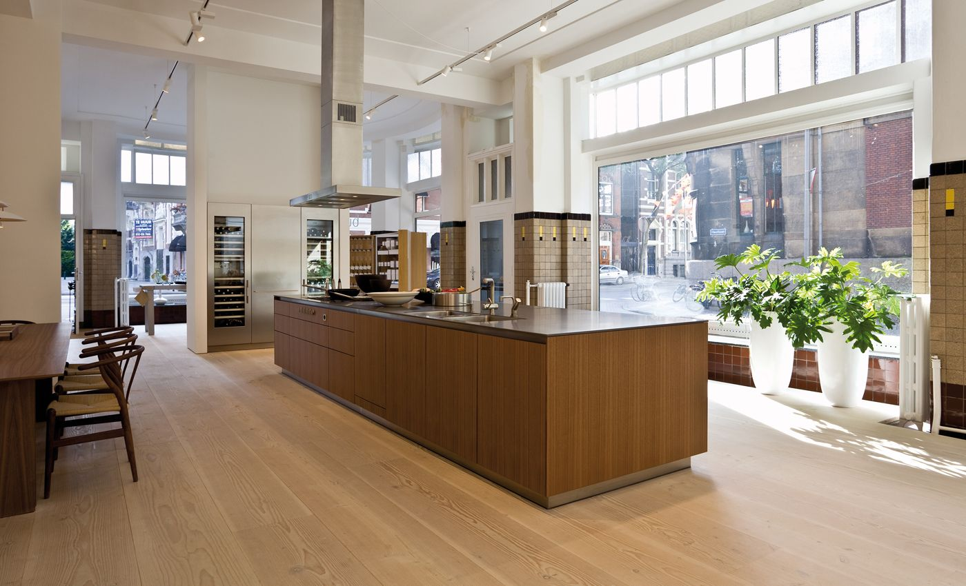 Dinesen and bulthaup the right combination flooring for Kitchen design showroom