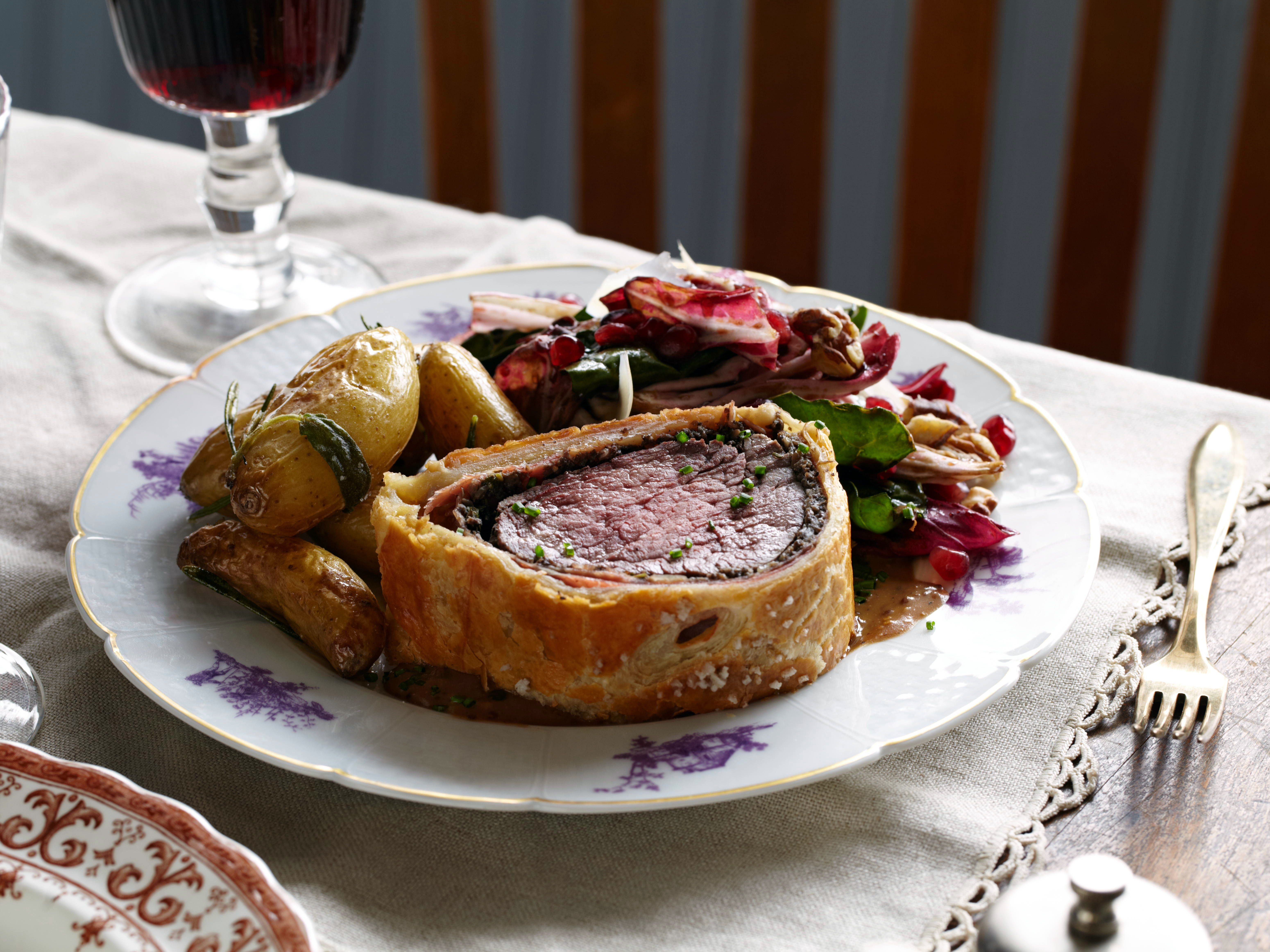 Valentines day dinner recipes beef wellington tyler florence and valentines day dinner recipes forumfinder Images