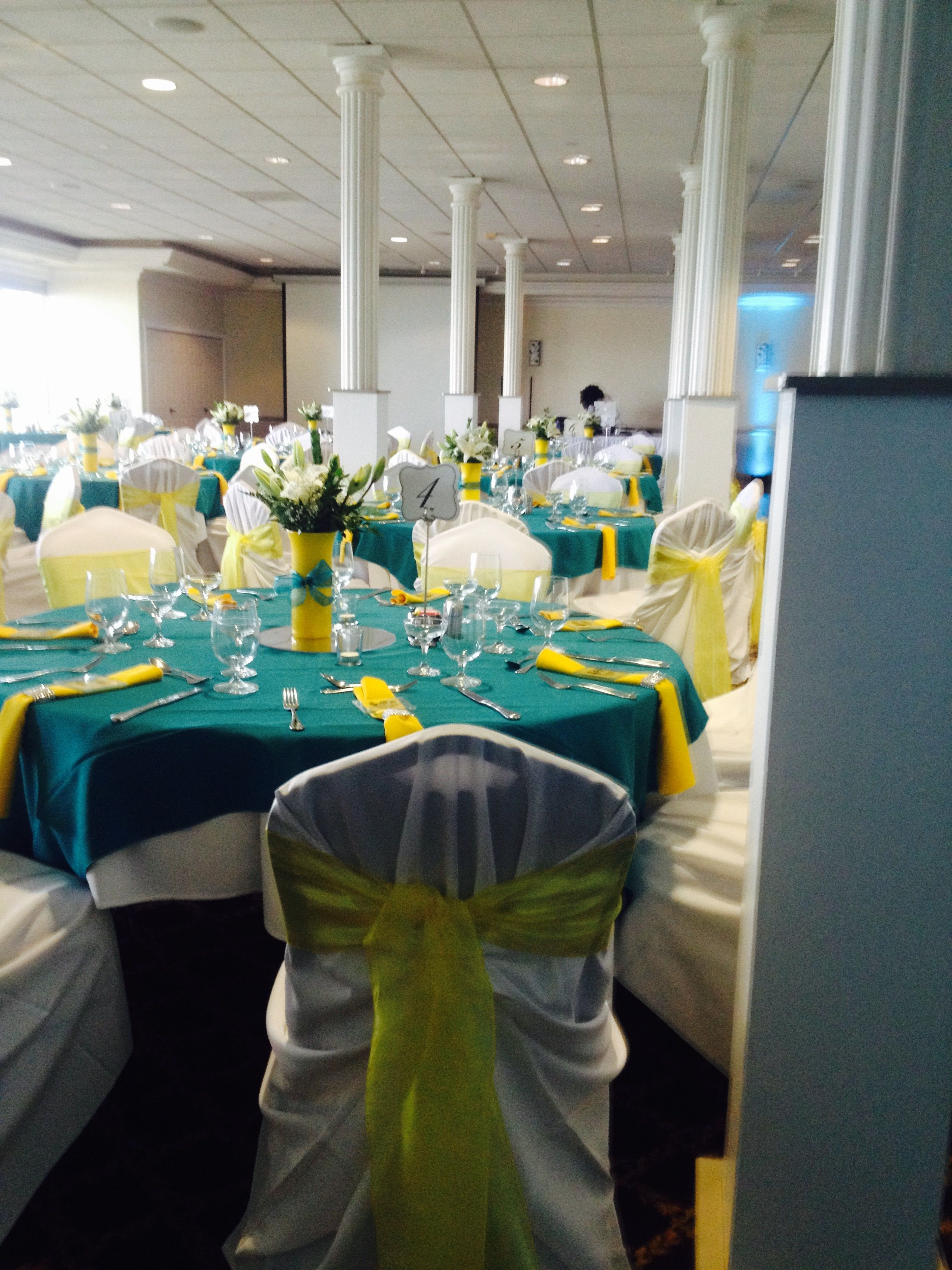 Admiral Kidd Club Wedding Dark Teal Linens with Canary Napkins