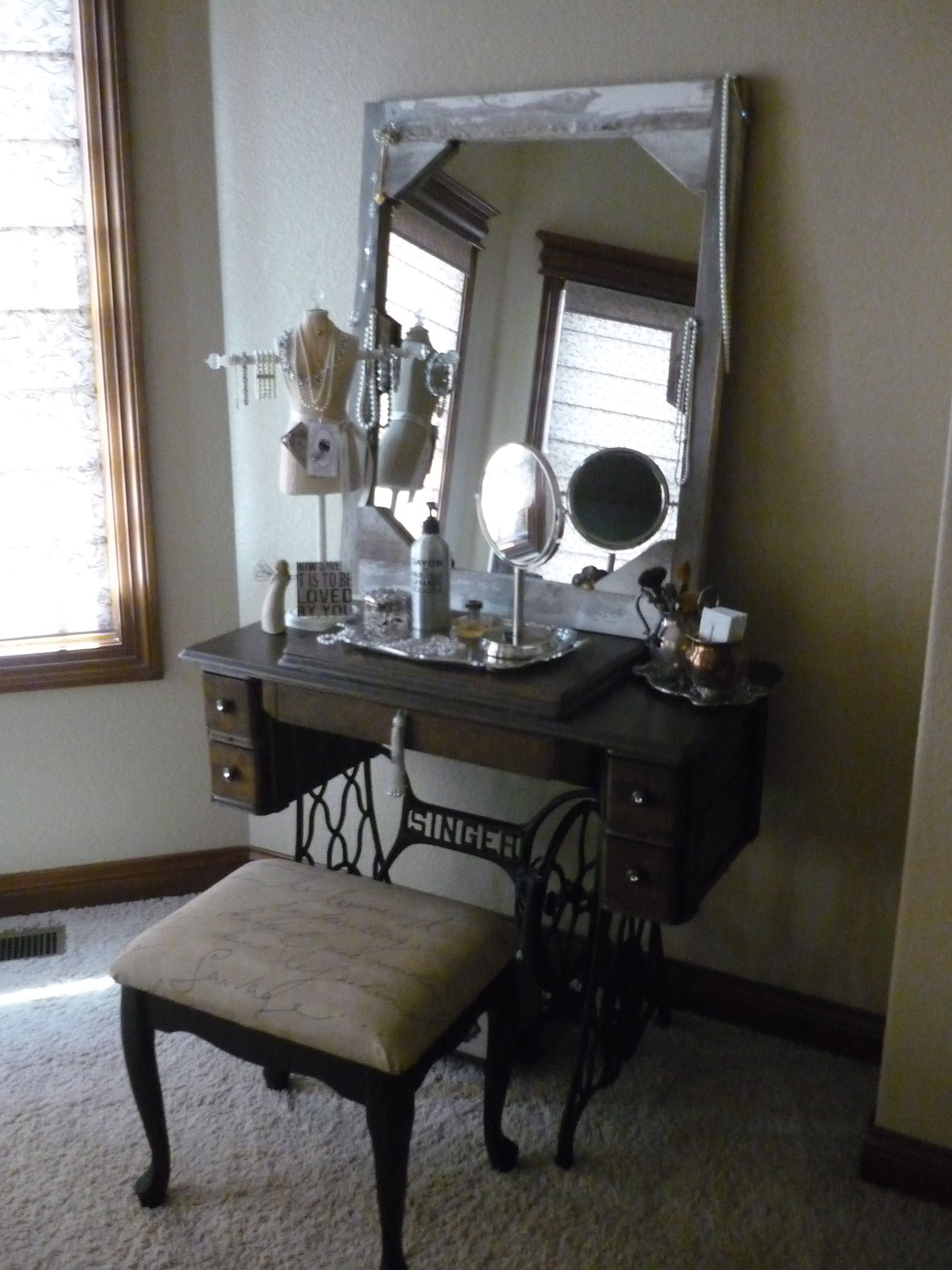 Project complete love my new vanity grandmaus old singer sewing