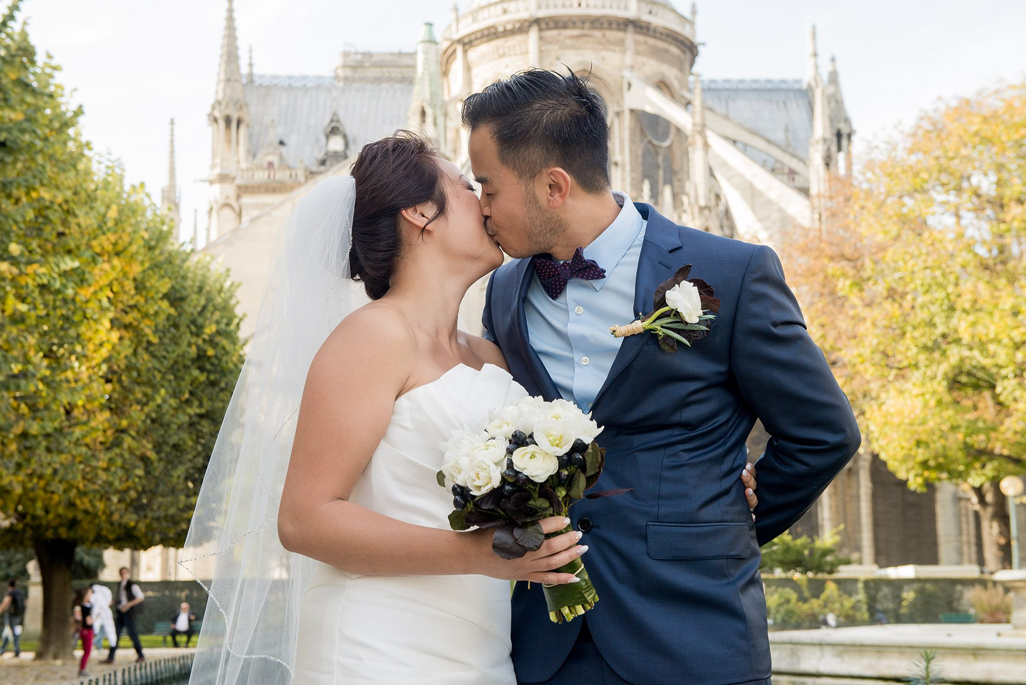 A romantic and fun elopement in paris with children by love