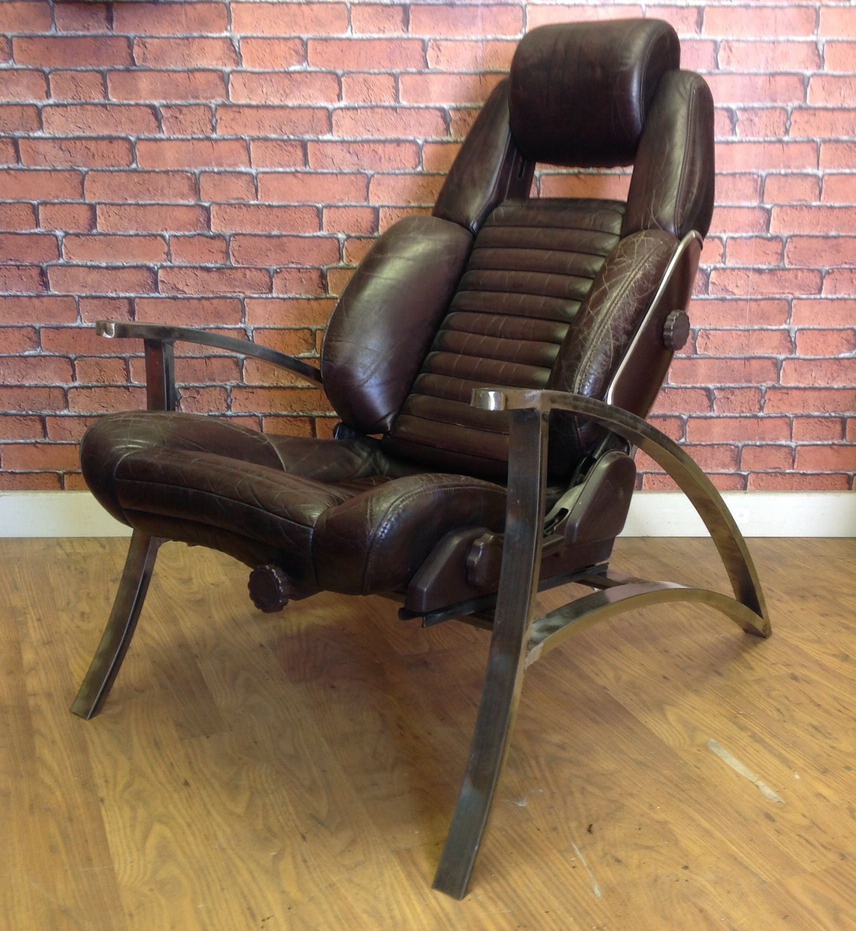 Deco influence curved frame Toyota car seat chair