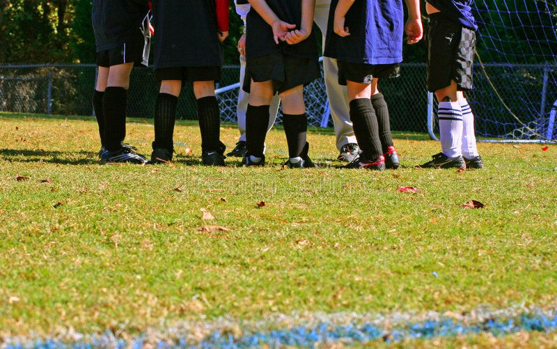 Soccer Huddle Kids Soccer Team In Coach S Huddle Aff Kids Huddle Soccer Coach Team Ad Kids Soccer Team Soccer Soccer Team