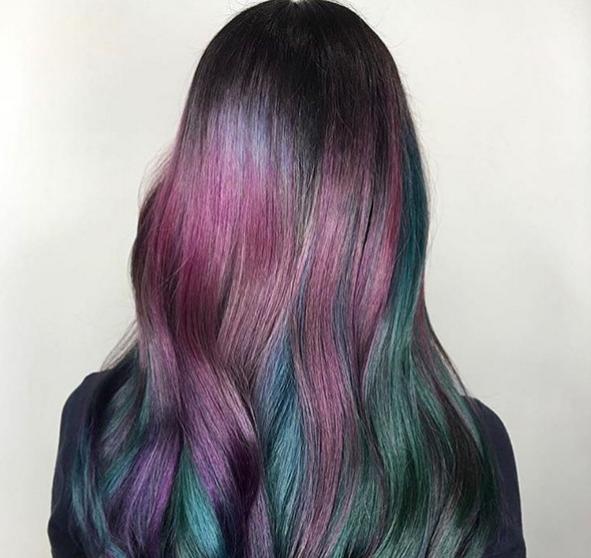 Eine Frau mit solchen Haaren muss total fantasielos sein. | 28 Gründe, warum Frauen ihre Haare auf keinen Fall färben sollten