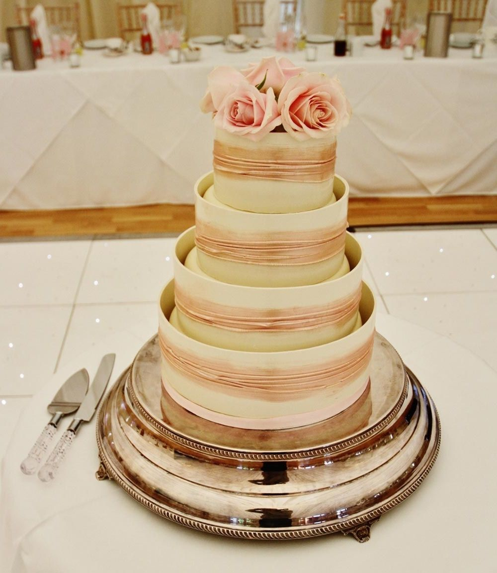 Wedding cake toppers shropshire - Sweet moments of life
