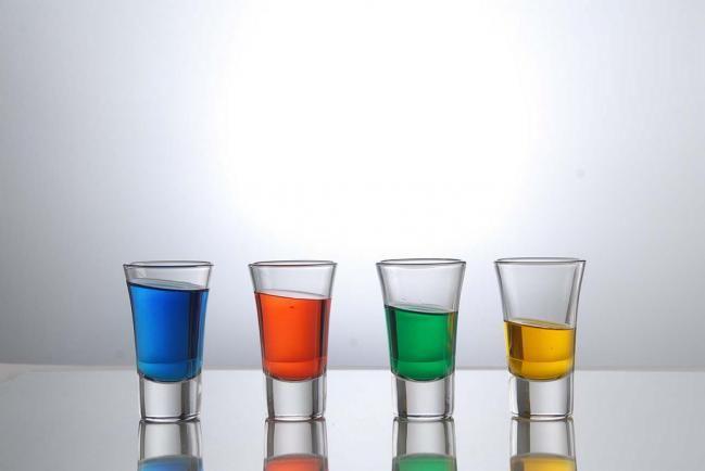 Shot o vaso para mezclas los shots tambi n conocidos for Vasos para bar