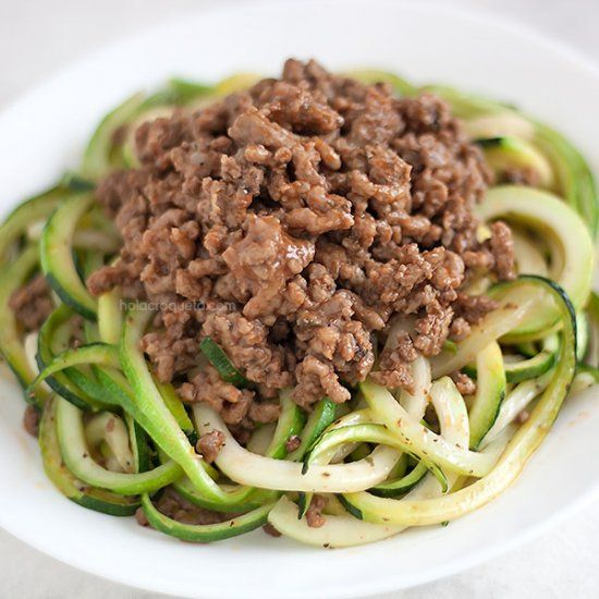 Picadillo Aka Lean Ground Beef Made Cuban Style With Spiralized Zucchini Noodles A Quick Delicious Meal That S Quick Delicious Meals Spiralizer Recipes Beef
