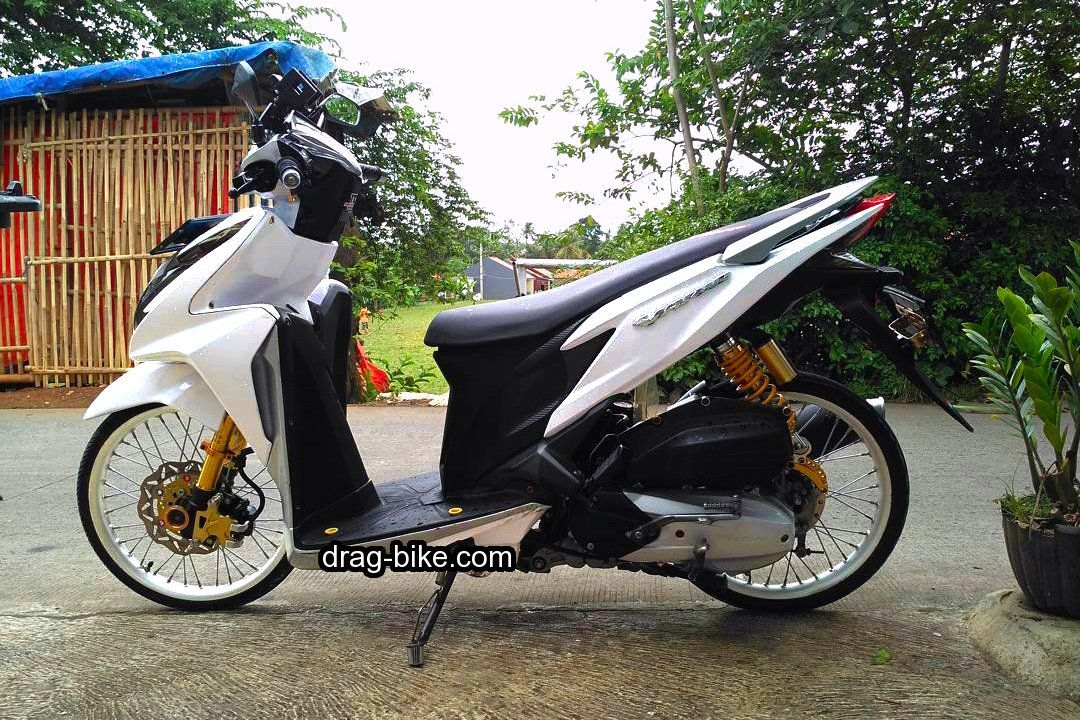 Modifikasi Vario 150 Jari Jari Ring 17 Warna Putih Honda Warna