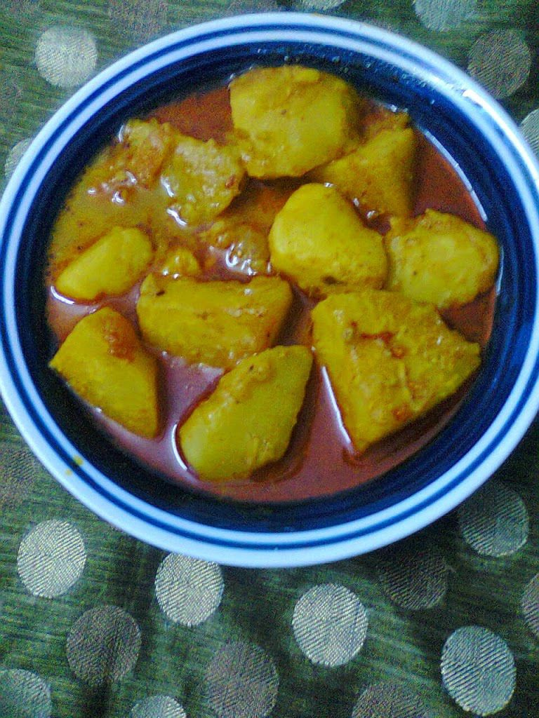 Delicious side dish turnip gravybengali shalgam curry a delicious side dish recipe made with turnip bengal it is called shalgam it is a quick and easy to make recipe generally made in winter season forumfinder Image collections