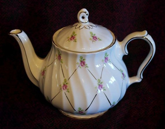 Lovely Sadler English TEAPOT with Pink Roses and Gold by LInspire