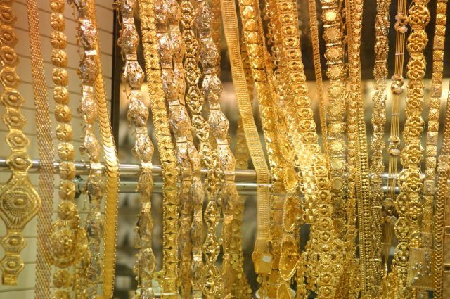 Lines Of Gold Dubai Makkah Saudi Arabia Gold Souk All That Glitters Is Gold Gold