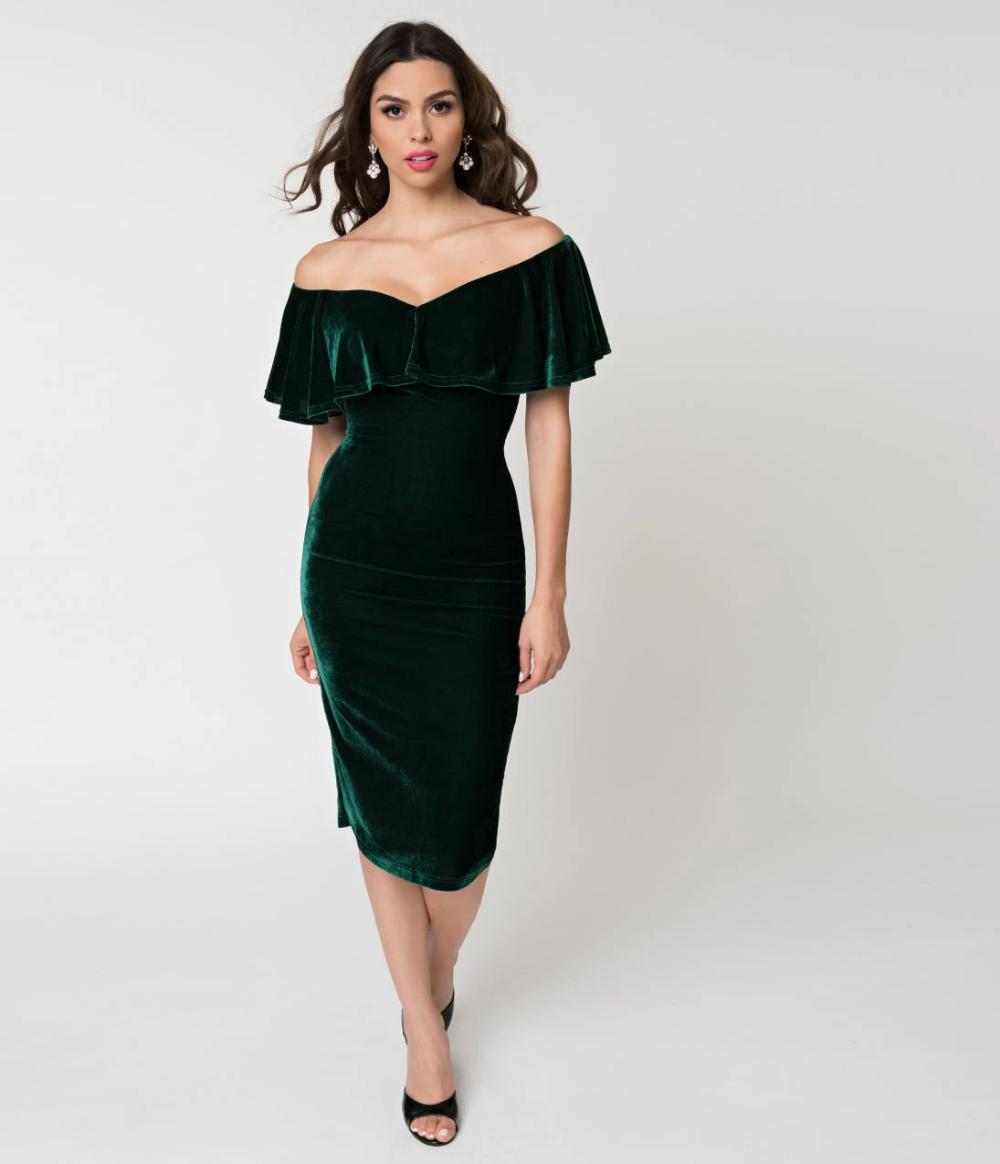 Unique Vintage Emerald Green Velvet Draped Off Shoulder Sophia Wiggle Dress In 2021 Unique Dresses Gorgeous Gowns Dresses [ 1164 x 1000 Pixel ]