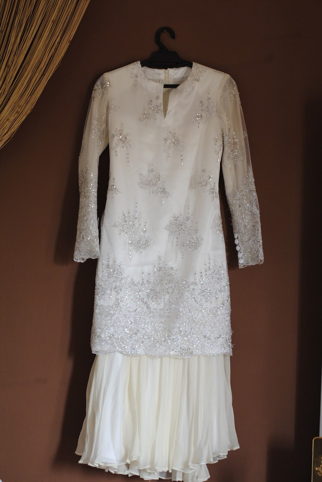 The perfect baju nikah.  Nikah outfit, Nikah dress, Muslimah