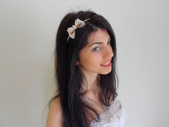 Caroline-Vintage inspirations.3D bow hand by Flowerwings on Etsy