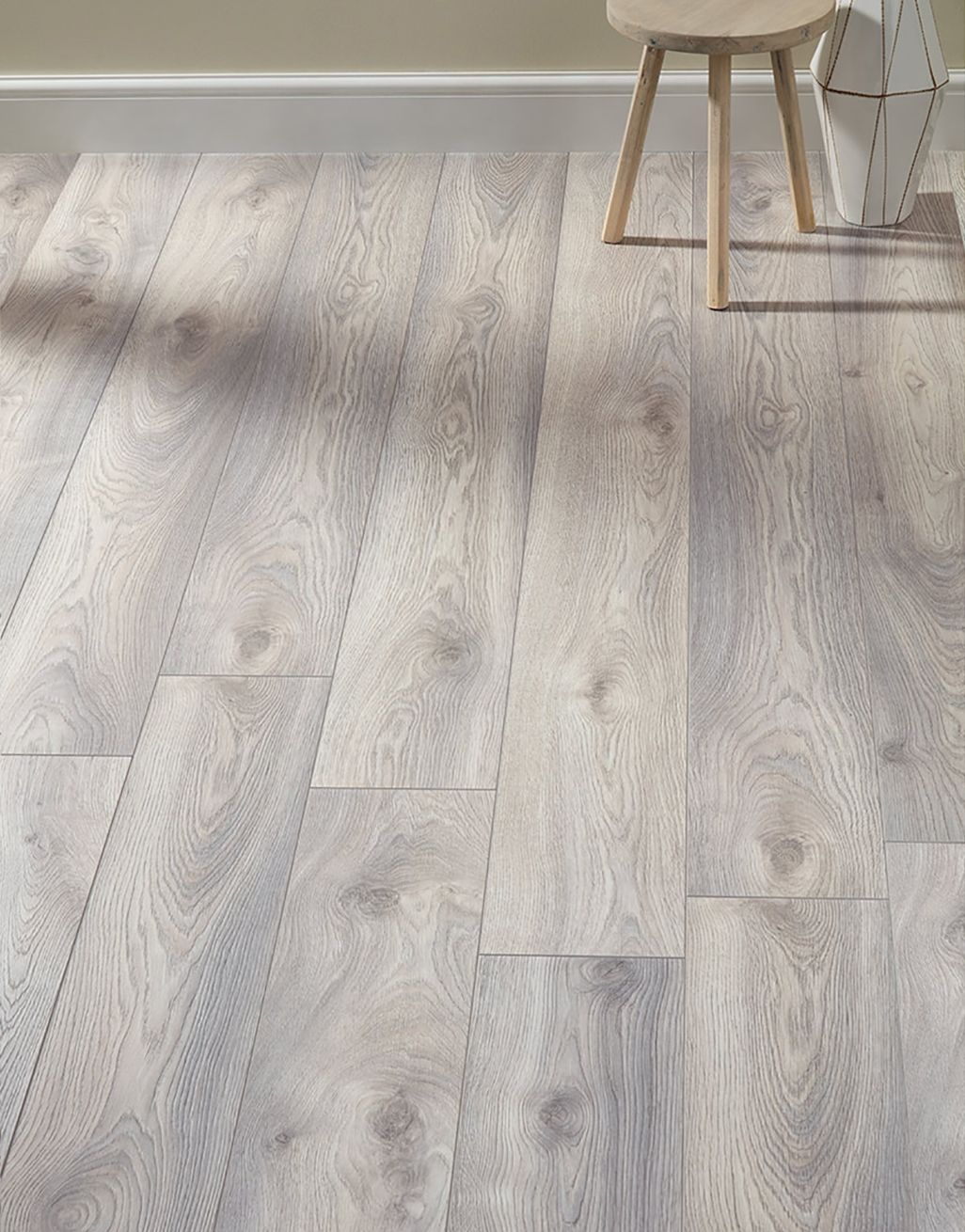 Supreme 12mm Long Board Macro Oak White Laminate Flooring In 2020 White Laminate Flooring Laminate Flooring Direct Wood Flooring