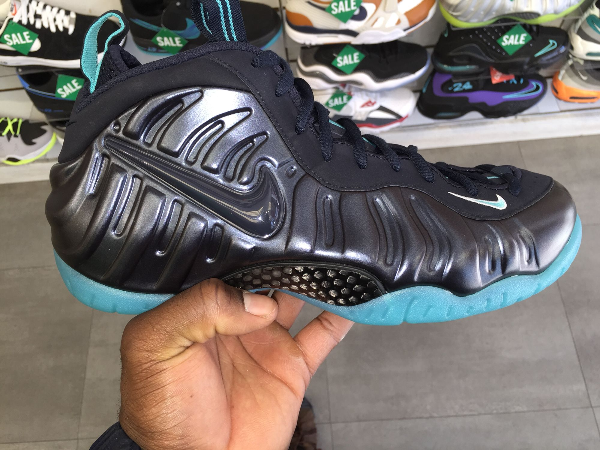 e0cb6d54579 Black and Bottom Blue Foams