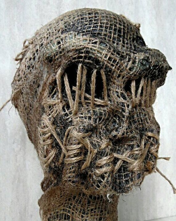 Check out this item in my Etsy shop https://www.etsy.com/listing/234403880/halloween-burlap-scarecrow-head