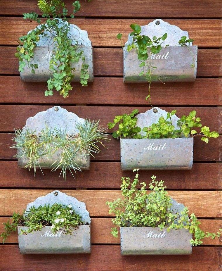 Fabriquer un mur v g tal ext rieur avec plantes succulentes photos id es et astuces jardins - Fabriquer mur vegetal ...