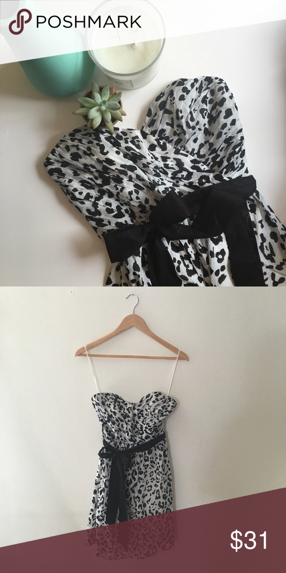 Express dress Worn once // leopard print with bow belt // sweetheart neckline Express Dresses Strapless