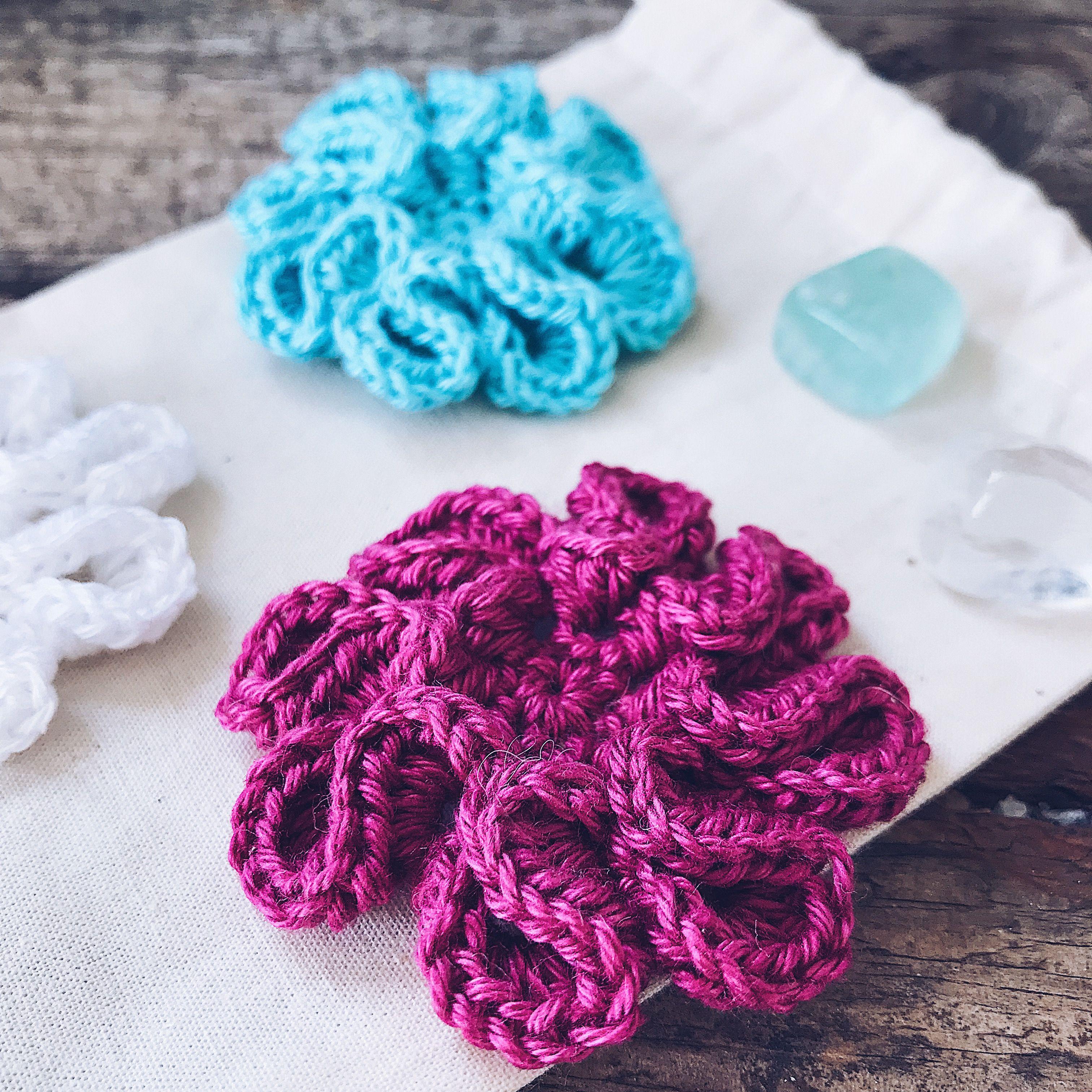 The Loopy Little Flower by @CrochetedbyTess Free pattern ...