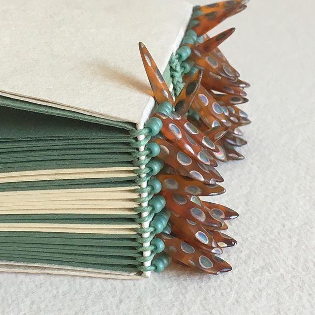 Buttonhole-stitch Binding (with Beads) @barizaki #book