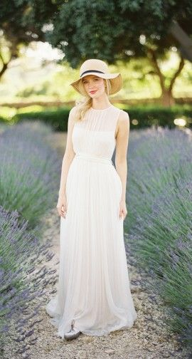 a romantic garden strolling outfit