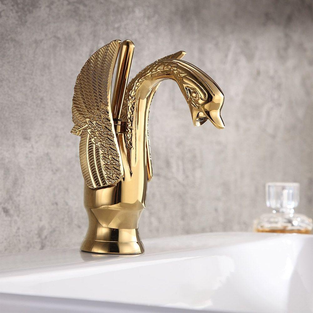Einloch Beckenmischbatterie Aus Massivmessing Im Klassischen Stil Von Swan Mit Luxuriosem Goldenen Hebelgriff In 2021 Brass Bathroom Sink Faucets Bathroom Sink Faucets