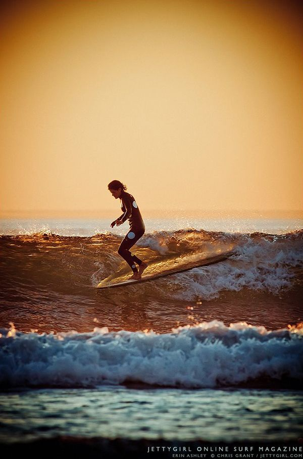 Erin Ashley Walks The Red Carpet In The Perfect Light Surfing Waves Surfing Sup Surf