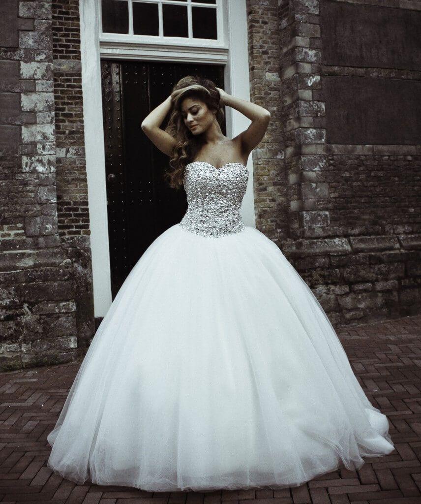 Bekend trouwjurken strapless met steentjes - Google zoeken | Weddings  &GR54
