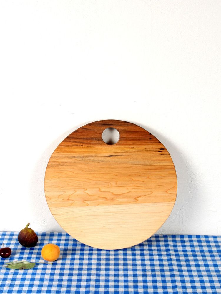 Image of ROUND SERVING BOARD - MAPLE