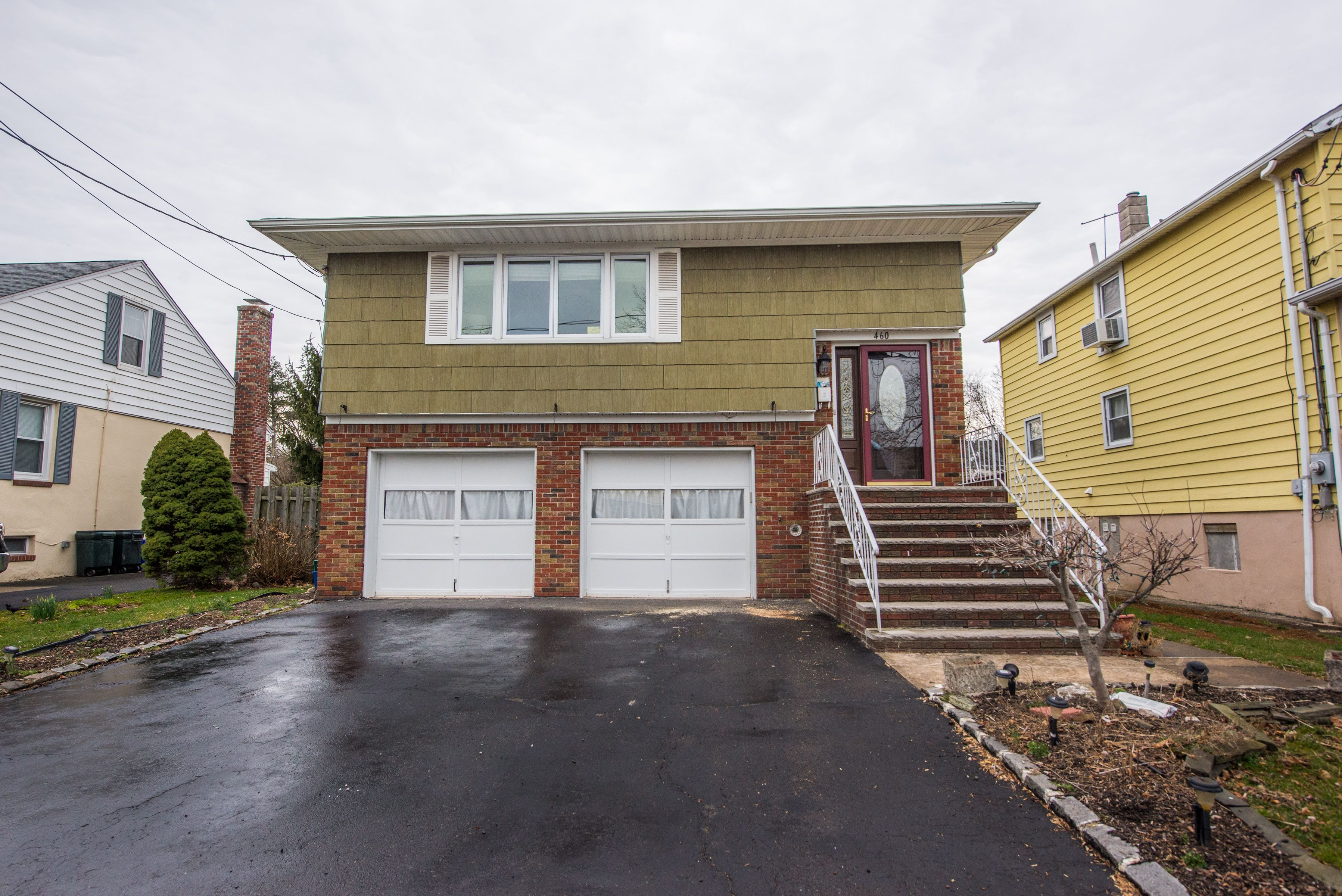 Rahway Nj Lots Of House For The Price Great Location This Home Features Large Living Room With Hardwood Floors For Real Estate Nj Large Living Room Home