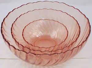 Set-of-3-Arcoroc-France-Pink-Swirl-Glass-Serving-or-Mixing-Bowls