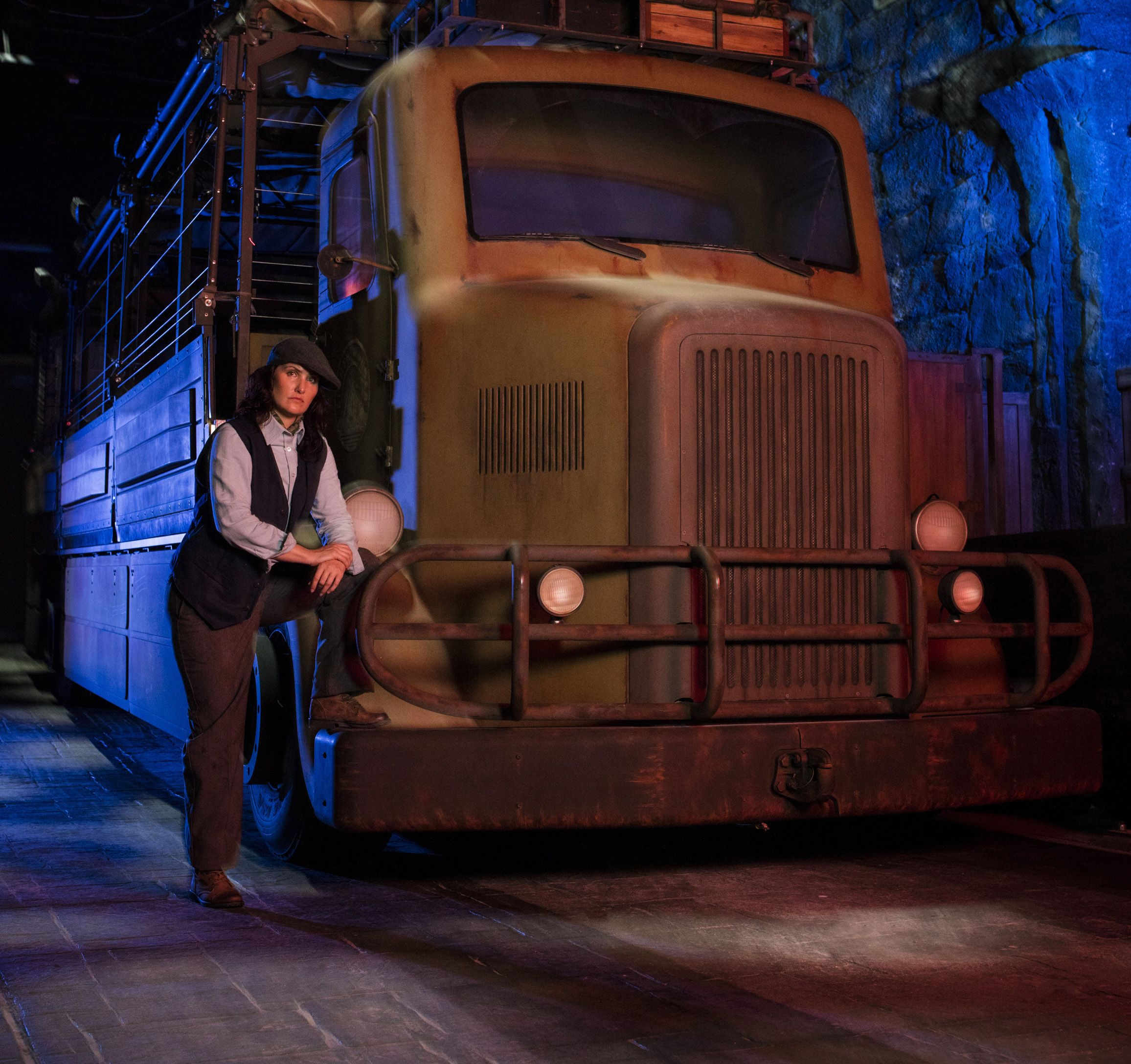 Skull Island: Reign of Kong Expedition Bus