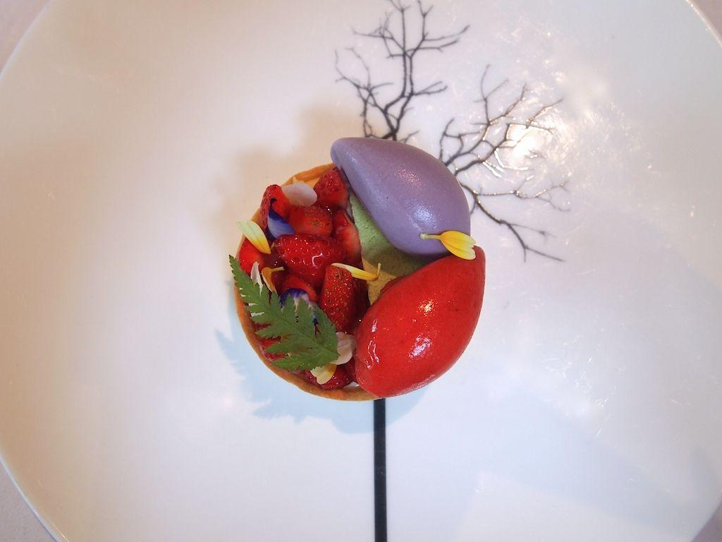 An edible work of heart ... Dessert @ The Ledbury, London. UK