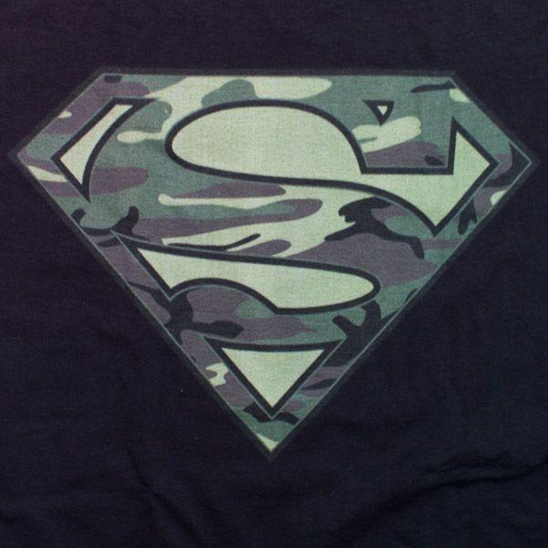 Superman Camologo Black Shirt Pop Jpg 600 600 Batman Wallpaper Superman Superman Logo