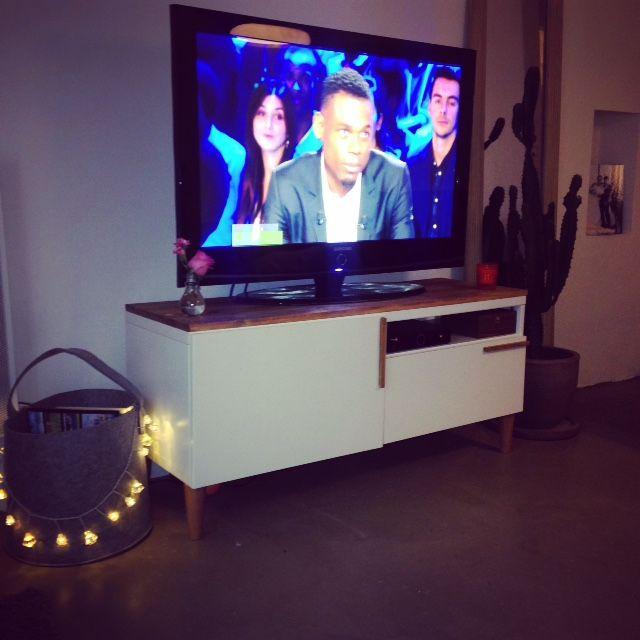 Un meuble télé sur mesure à petit prix Salons