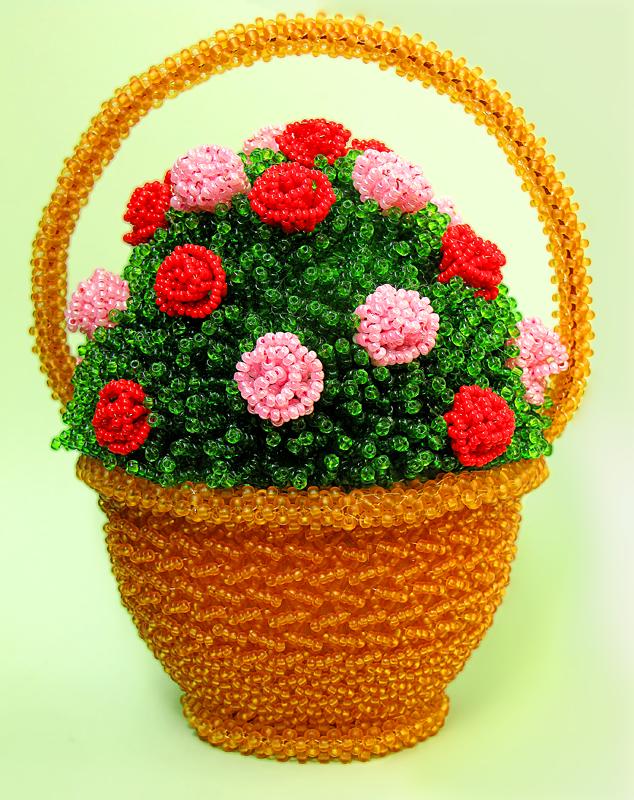 цветы в корзине из бисера фото помощью этого украшения