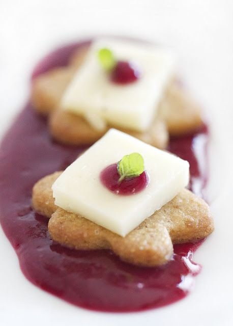 Epicurean Mom: Mini Graham Cracker Sables with Raspberry and Taleggio