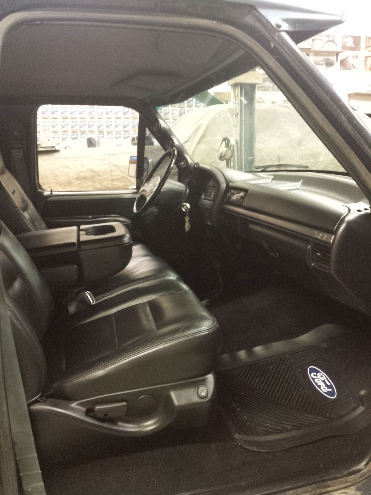 Inside My 1993 F350 Big Blue Full Black Interior Ford Lariat Leather Power Heated Seats Black Carpet Black Panel Truck Interior Ford Obs Ford Pickup Trucks