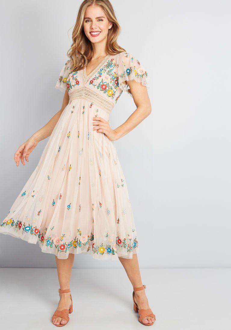 42+ Embroidered midi dress info