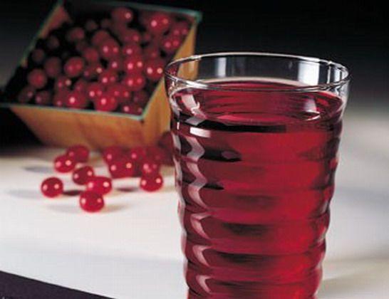 شرب عصير التوت البري حيث أن التوت البري يمنع البكتيريا من الالتصاق على الأسنان ولذلك فاحرص على شرب كوب أو اثنين من عصير التوت البر Glassware Tableware Glass