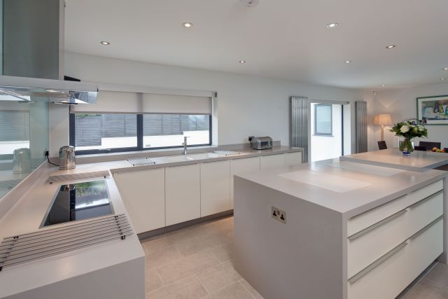 Kitchen in a Stunning Riverside location in Cookham Dean - Luxury Kitchens Maidenhead. German Kitchen Designers. Zona Cucina
