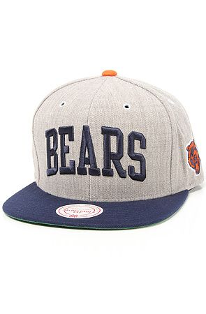 084bca1b94043 Mitchell   Ness The Chicago Bears Arch Road 2Tone Snapback Cap in Grey